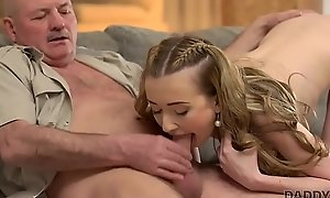 DADDY4K. Mature dad makes MO = 'modus operandi' acquaintance with young beauty Jessi